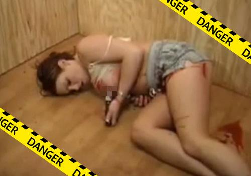 【グロ注意】腹と胸をナイフでブッ刺されて殺される美女。外国人怖ぇぇ・・・