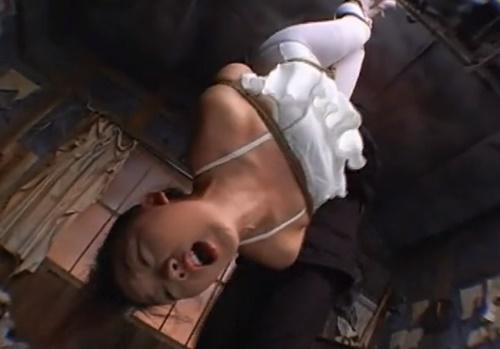 【SM調教動画】逆さ吊りのバレエレオタード少女が鞭打ち拷問で連続アクメ