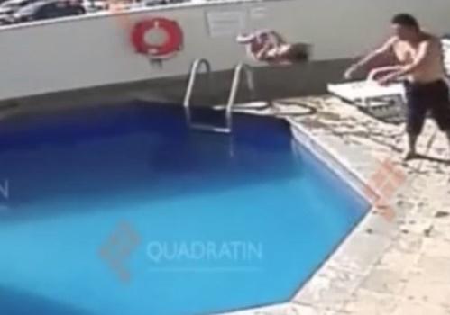 【虐待動画】娘をプールに放り投げて溺死させるマジキチ親父が見つかる・・・