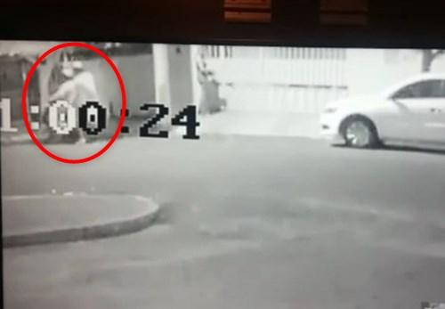 【衝撃映像】婦人警官と知らず襲った強盗犯、瞬殺されるwwww