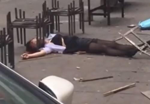 【衝撃映像】中国で高層マンションから飛び降り自殺。変わり果てた姿になった女子高生がこちら・・・