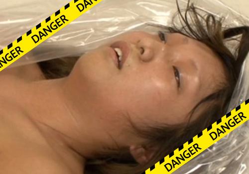 【閲覧注意】真空パックを使った窒息プレイでガチで死にかけてる女がいるんだが・・・
