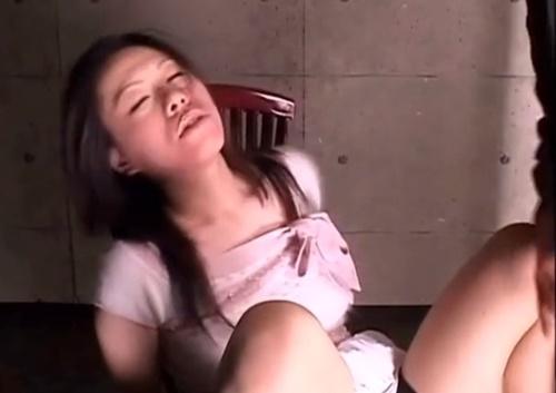 「もっと下さい...」拘束ビンタで涙を流しながら絶頂するドMオンナ
