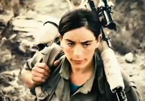【衝撃】中東の女スナイパー、凄すぎるヘッドショット動画を公開