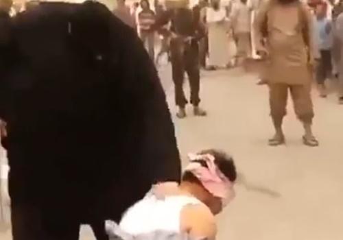 【閲覧注意】イスラムの巨漢処刑人、執行・・・