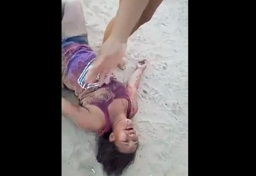【閲覧注意】胸を打たれた女性、血を吐いて苦しみながら死亡・・・