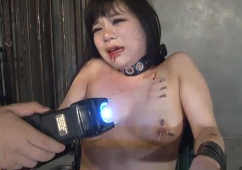 【閲覧注意】火責め・針責め・スタンガンで電流責め!流血しながら絶叫しまくるメス奴隷の超ハード拷問