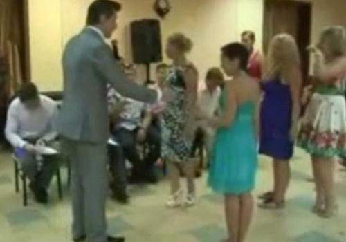 ロシアの婚活イベントが卑猥すぎると世界で話題にwwww