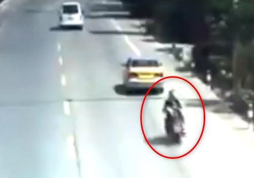 【衝撃映像】中国製のバイク、爆弾にタイヤが付いているのとほぼ同じ