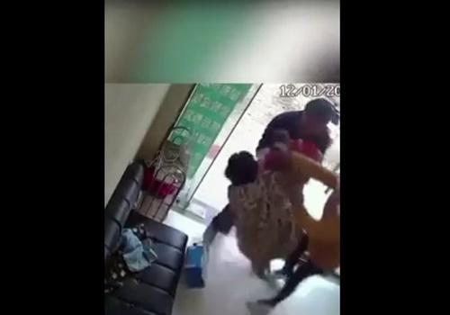 【衝撃映像】人身売買用の子供が拉致される瞬間・・やばすぎるだろ・・・