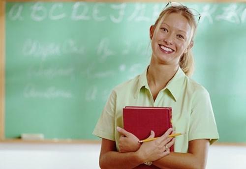 美人女教師、不良の男子生徒にKOされる・・・