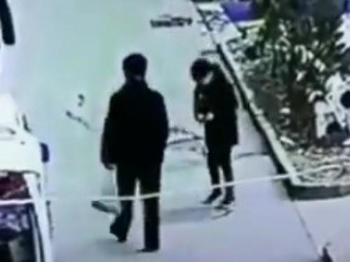 【動画】子供「マンホールの中に爆竹入れたらおもろそうやなww」→ 結果・・・