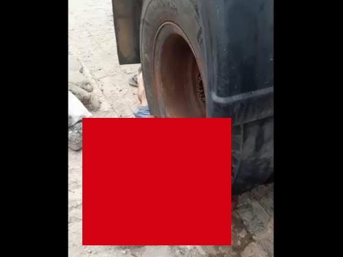 【閲覧注意】大型トラックのタイヤの下敷きになった人間、生き残ってしまった結果・・(動画あり)