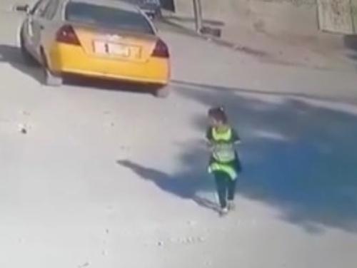 【衝撃映像】幼女、野犬に襲われる
