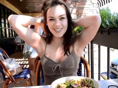 【エロ注意】早朝からクッソエロい巨乳美女、発見されるwwwww(動画あり)