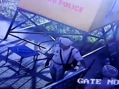 """【閲覧注意】武装警察、カービン銃のスリングが壊れた結果 """"こうなる""""・・・(動画あり)"""