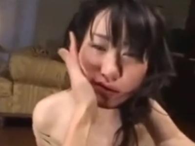 """号泣する女の子を全裸にして """"10分以上ビンタしまくる"""" この日本のAV、海外で話題になってしまう"""