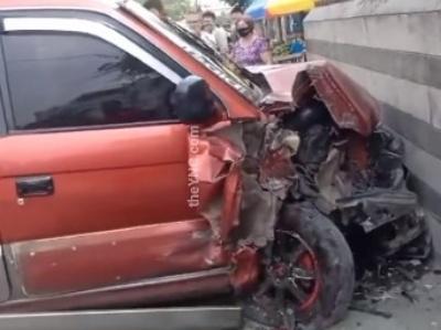 【閲覧注意】車と壁の間に挟まれた人間、真っ二つにはじけてしまう・・・(動画あり)