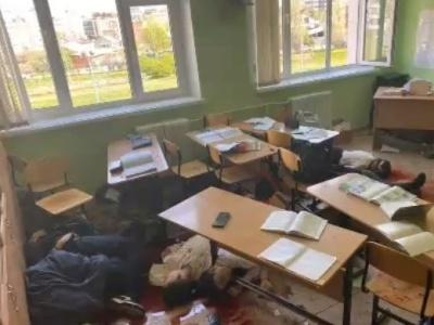 【閲覧注意】中学校で起きた銃乱射事件の無修正動画、出回ってしまう・・・・・・