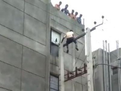 """【閲覧注意】高圧線で感電自殺した人間が """"どういう死に方をするか""""、ごらんください・・・(動画あり)"""