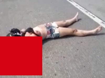 【閲覧注意】バイク事故でおっぱい丸出しになった若い女の子、ギリ生き残る・・・(動画あり)