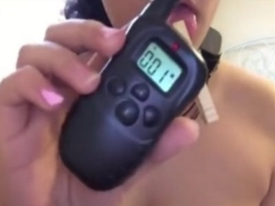 変態ドM女さん、犬を調教する首輪でセルフ電流拷問オ●ニーを楽しんでしまうwww(動画あり)