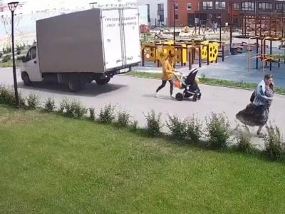 【閲覧注意】安全確認を一切行わないトラックドライバーの運転がやばい(動画あり)