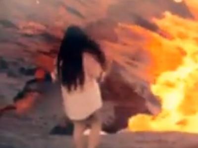 【閲覧注意】女さん「マグマってそんなに熱いのかしら・・!?」→ 結果(動画あり)
