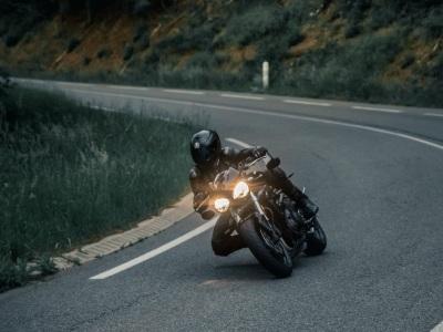 【閲覧注意】もうバイク乗るのやめとこ・・・ってなるこの動画が話題