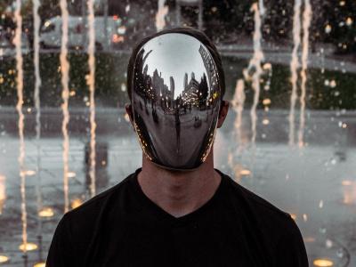【閲覧注意】マスクが全く必要ない人間、発見される・・・(動画あり)