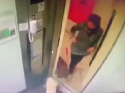 【閲覧注意】ペットの犬を連れてエレベーターに乗り込んだ少女、この後とんでもないことに・・(動画あり)