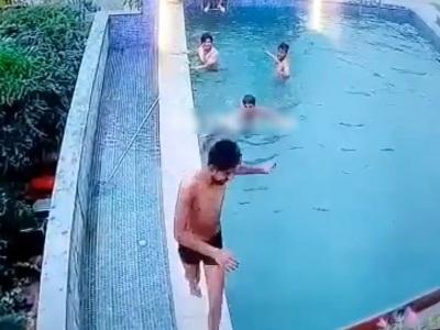 【閲覧注意】欠陥プールではしゃいでいた観光客が死亡するこの映像・・・