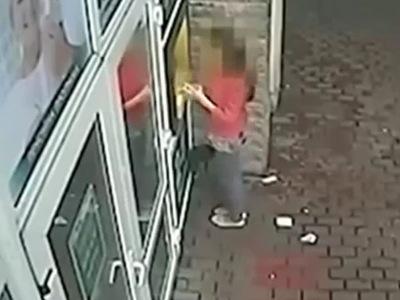 【閲覧注意】十代少女がロリコン男に誘拐される犯行現場映像が公開される・・・
