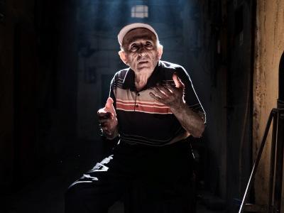 【超閲覧注意】グロすぎるおじいさんが発見される・・・(動画あり)